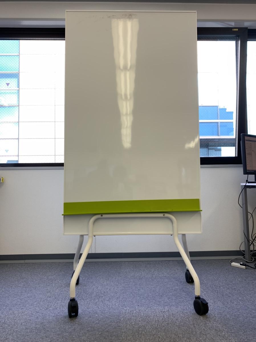 普通と違う!縦型のスタッキングホワイトボードなら神奈川イベント会社!
