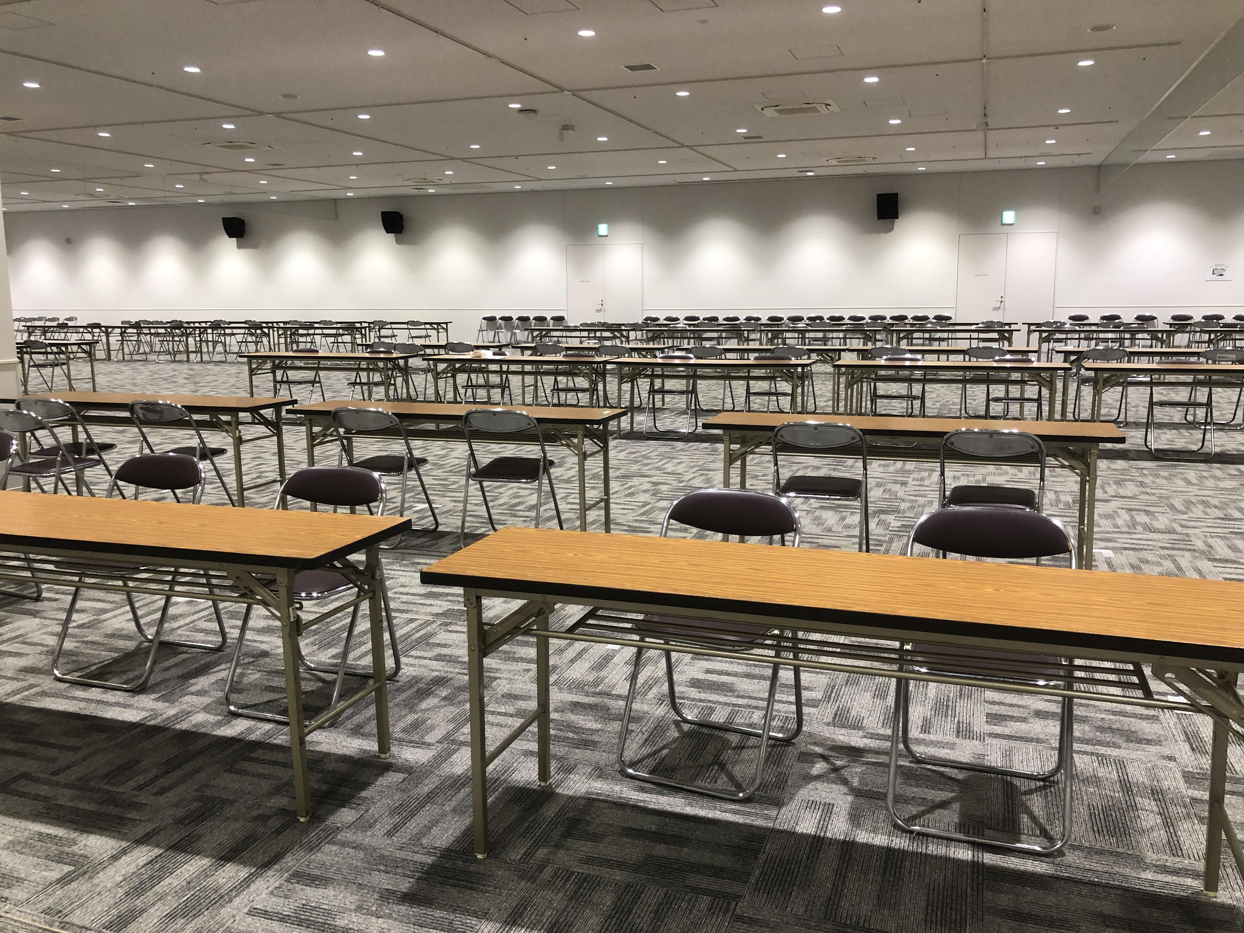 会議用テーブルなら神奈川イベント会社へ!