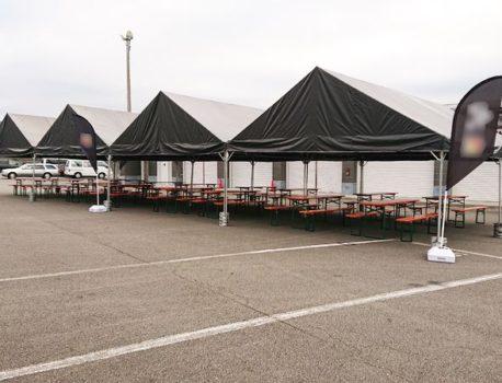 屋外イベント楽屋に黒天幕テントを使用するならイベント21神奈川支店!